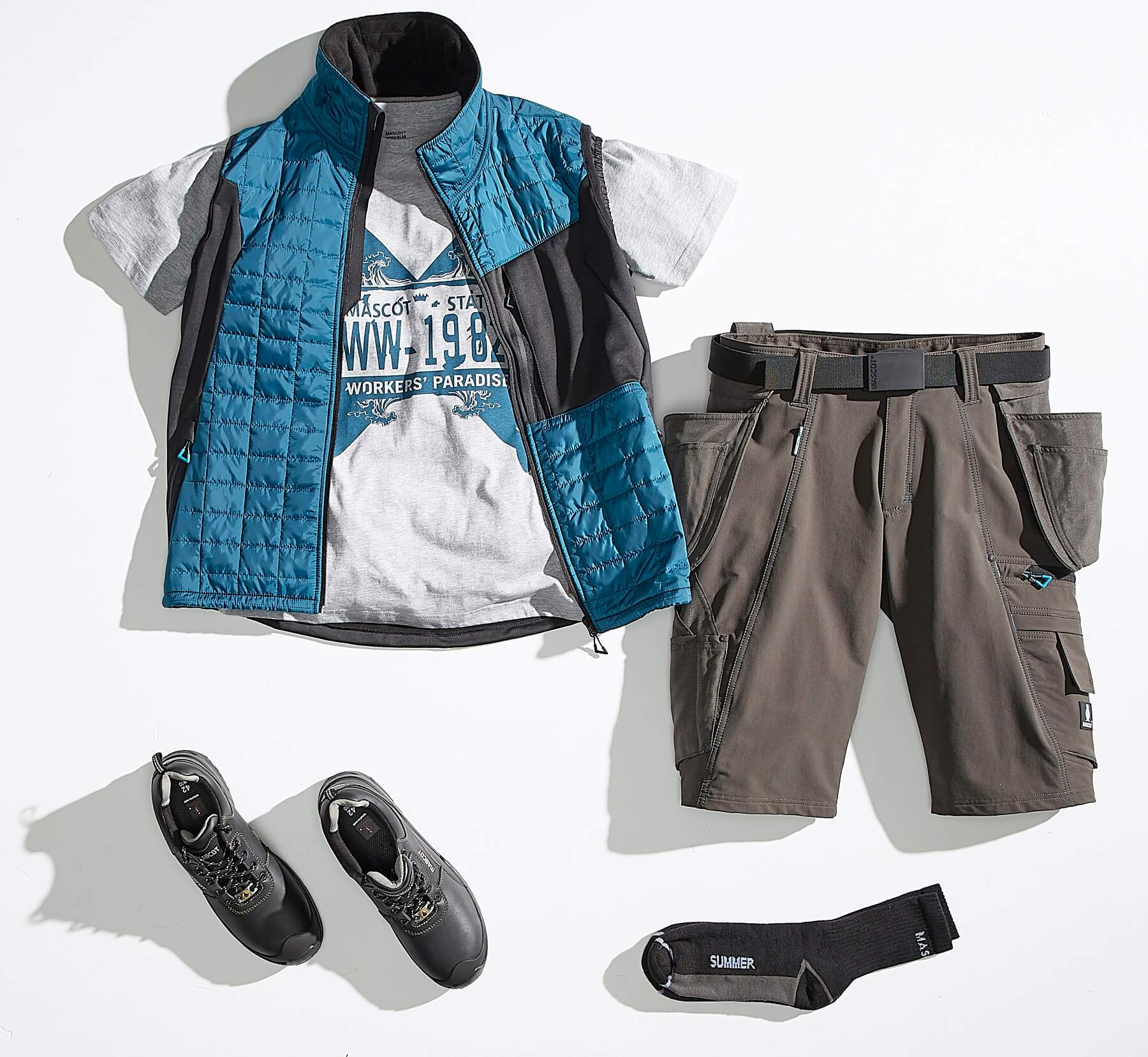 Collage - Bodywarmer, T-shirt & Shorts - ADVANCED